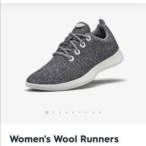 Allbirds women's size 7 gently worn wool runners